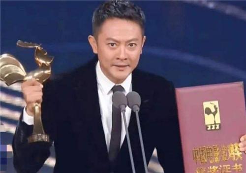 印小天斩获最佳男配 时隔8年终于翻身